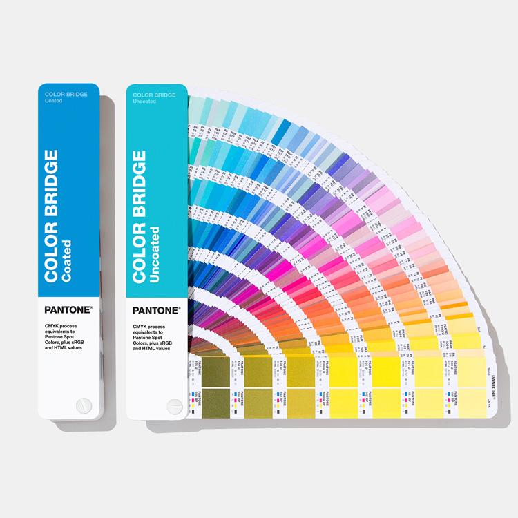 Pantone  Набор цветовых справочников (веера) Color Bridge Set Coated & Uncoated (перевод Pantone в CMYK, глянцевая + немелованная бумаги) GP6102A